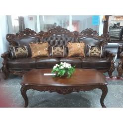Классический кожаный диван с резными изголовьями Генрих