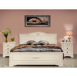 Кровать классическая из массива натурального дерева в спальню Артемида