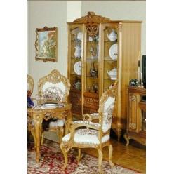 Витрина трехдверная в стиле барокко в гостиную Л. Л.