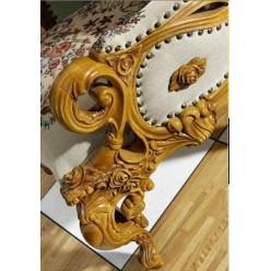 Трехместный диван в холл в стиле барокко Л. Л.