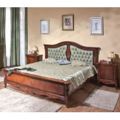 Классическая кровать с оббитым изголовьем Регалис
