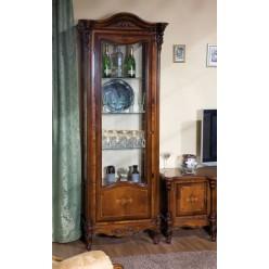 Классические витрины в гостиную Регалис