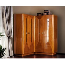 Угловой шкаф из натурального дерева в спальню Авантгард