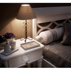 Классическая кровать в спальню Мариасилва