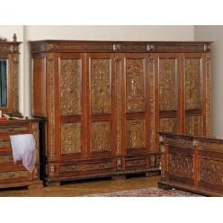 Резной пятидверный шкаф в спальный гарнитур Итальянский Ренессанс