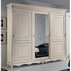 Белый трехдверный шкаф в спальный гарнитур Тинторентто