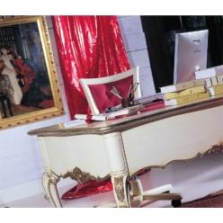 Стол письменный в классический гарнитур для кабинета Версаль